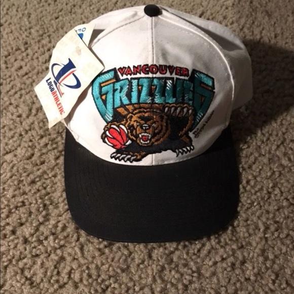 fe1b0bcc678 Ds Vintage Vancouver Grizzlies blockhead SnapBack.  M 5a57f139caab4483802eacbc